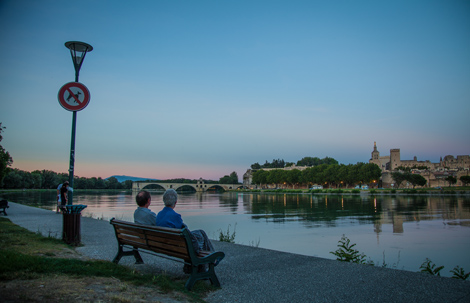 Avignon-summer-evening-on-the-Rhone